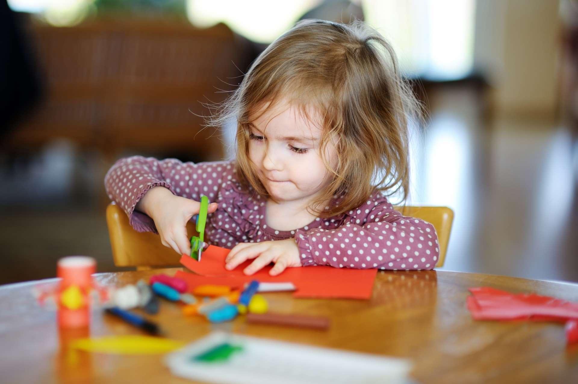 Научить детей делать поделки